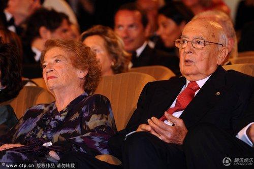 意大利总统和妻子光临 和文化遗产部部长邻座