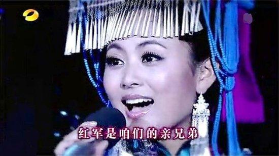 阿鲁阿卓亮相《天天向上》 现场演绎彝族歌曲