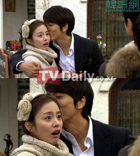 《我的公主》 中,帅哥靓女情侣宋承宪和金泰熙上演了亲吻脸蛋的吻戏