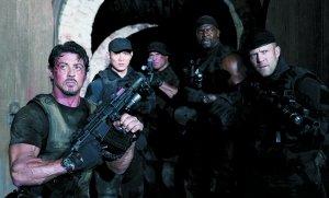 《敢死队》13日北美公映 内地过审有望同步上映