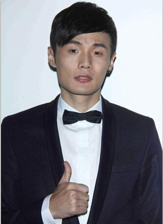 李荣浩唱《模特》