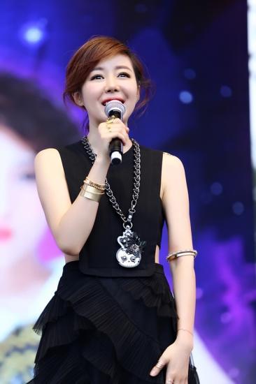 安又琪EP《口红糖》首唱 线上人气爆棚