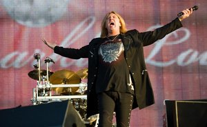 Def Leppard将发行首张现场唱片 有望今年上市