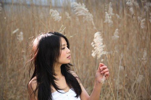 黄英新歌《大太阳》风靡网络 被称K歌首选歌曲
