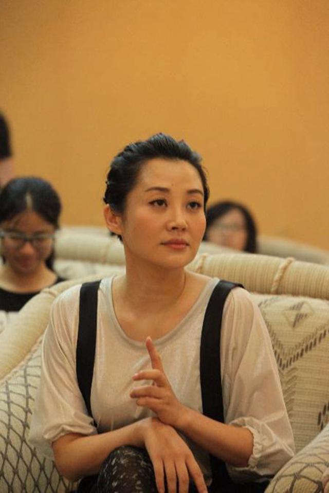 许晴回应姐弟恋:回国后与华晨宇再没见过