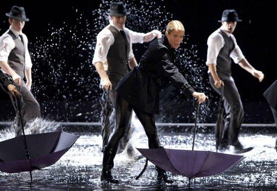 格温妮斯客串演出《Glee》 赢得艾美创意艺术奖