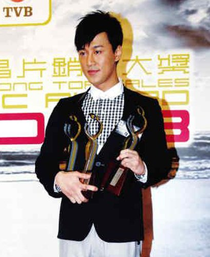 """林峰争TVB""""视帝""""形势危急 乐易玲发言表支持"""