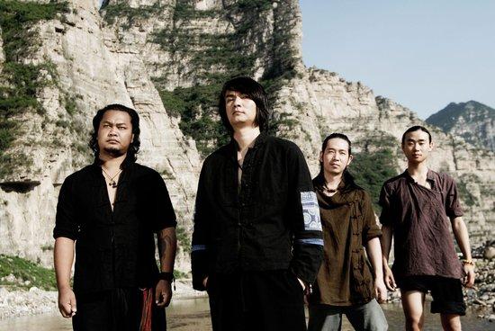 山人乐队带女友上青海卫视 跨年热身戛纳音乐节