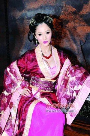 唐季礼否认和艳星恋爱 女主角蓝燕发誓没说谎