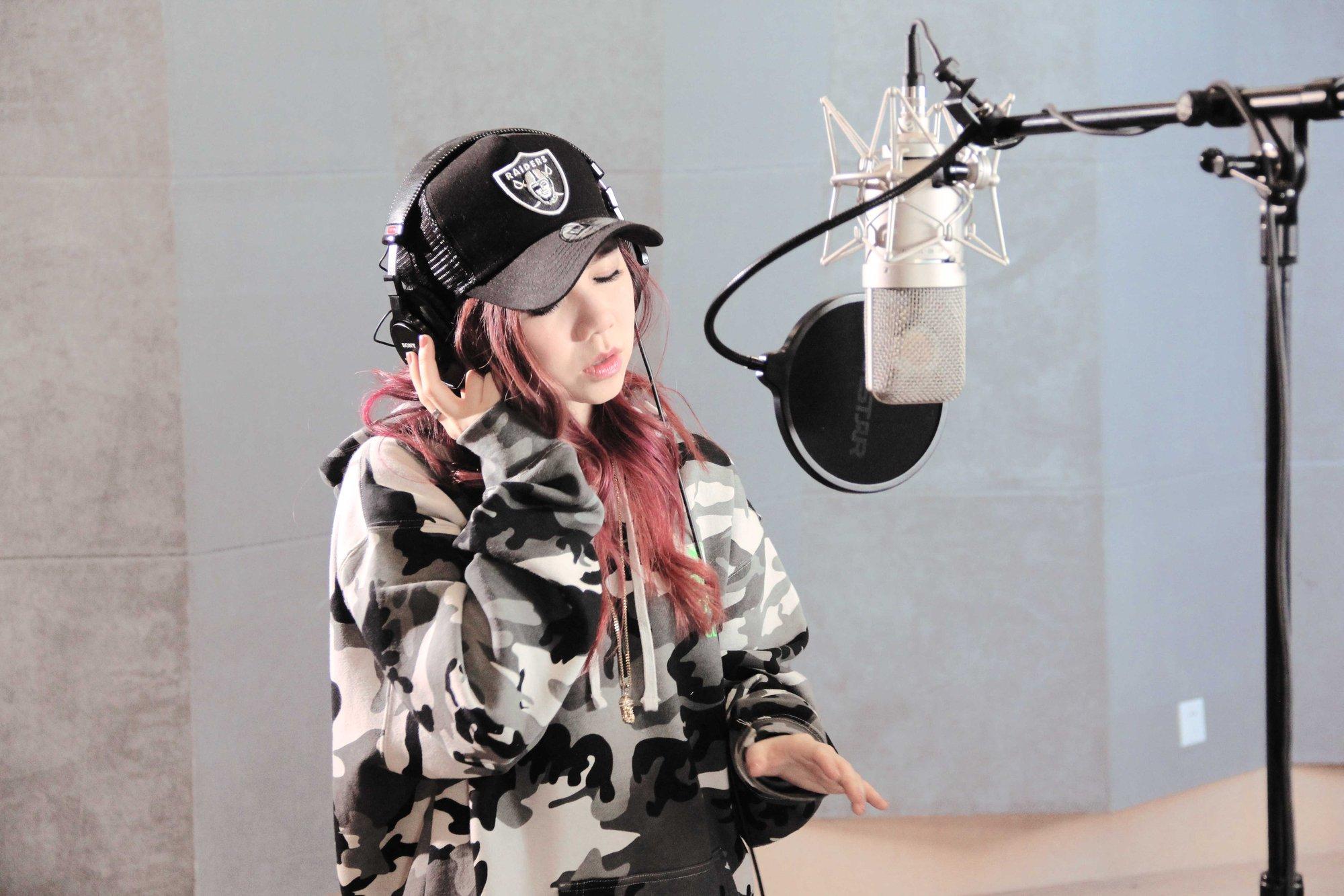 交响乐团出镜 邓紫棋发布 桃花诺 MV