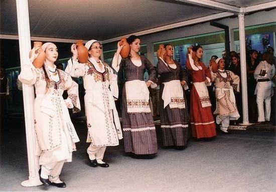 """塞浦路斯""""为和平而舞""""乐队称赞中国热爱和平"""
