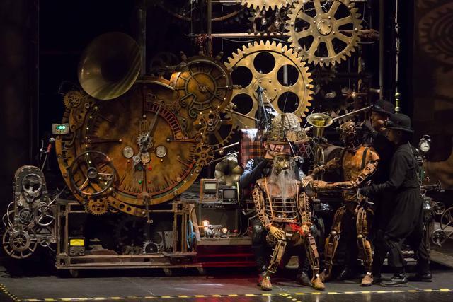 中国首部奇幻装置舞台剧 《爸爸的时光机》来京