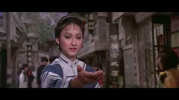 首届香港金像影后惠英红忆邵逸夫:他挺疼我