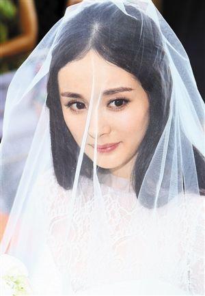 杨幂刘恺威巴厘岛大婚 婚礼设计简约花费不菲