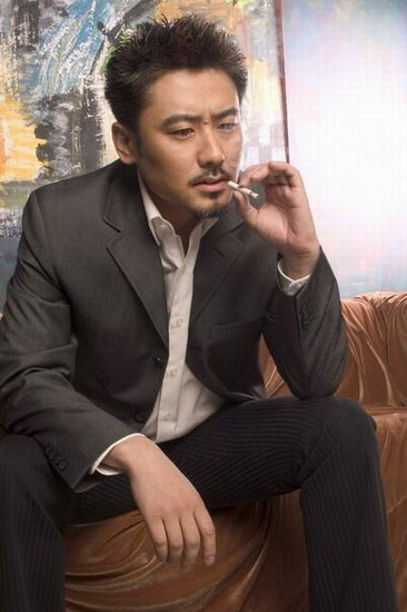 独家专访吴秀波:洒脱做人 明白做戏