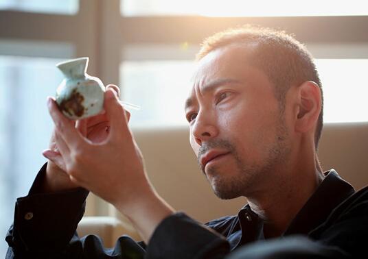 《烽火双雄》涩谷天马善恶难辨 盼做戏的艺术家