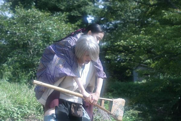 《跨越栅栏》小田切让苍井优 时隔九年再合作