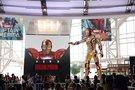 《钢铁侠3》场景还原 全球最大钢铁侠亮相沪上