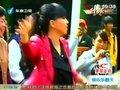 张惠妹回母校大受欢迎 天后和小学妹同台
