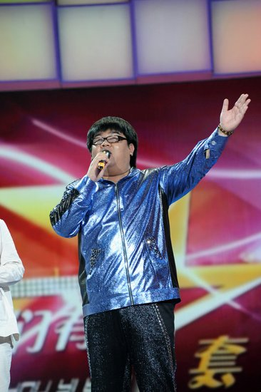 16日《我们有一套》:杨光为妈妈献上一首歌