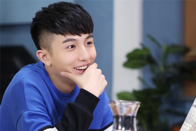 《女娲成长日记》李圣佳实力演绎热舞段子手