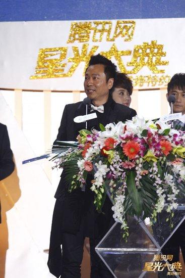 黎耀祥获港台电视男演员奖 爱妻微博恭喜醒哥