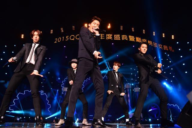 QQ音乐年度盛典 TFBOYS、WINNER中韩鲜肉大对决