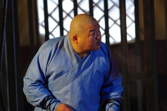 《少林寺传奇4》热拍 八师兄李冲受伤骨折