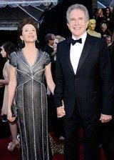 安妮特・贝宁和老公登红毯
