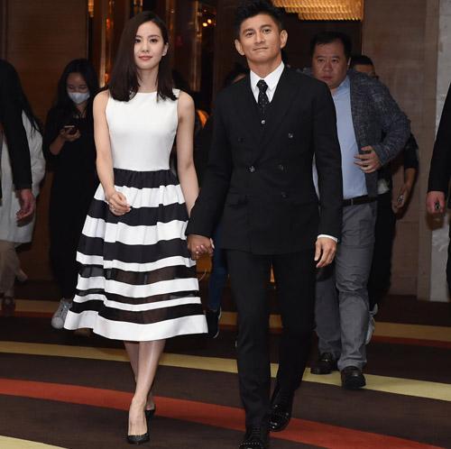 """刘诗诗赚了1.4亿 吴奇隆牵娇妻称""""家里领导"""""""