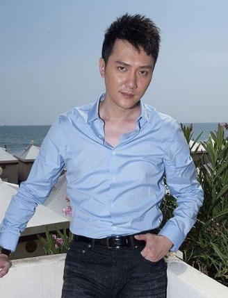 冯绍峰被国航弄丢全部行李 发文求帮忙找回