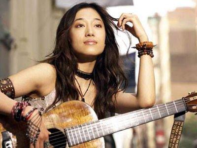 歌手艾敬跨界办画展 将有200多件作品参展
