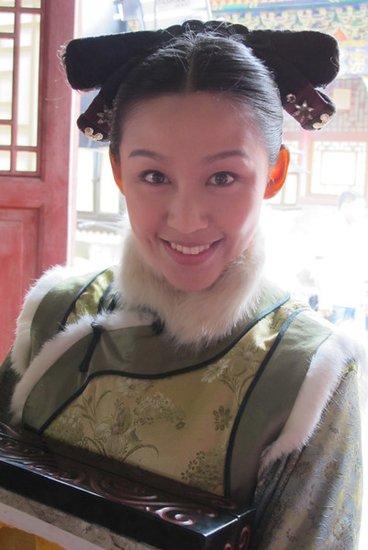 其中梁艺馨饰演的宝娟剧照在被晒出后
