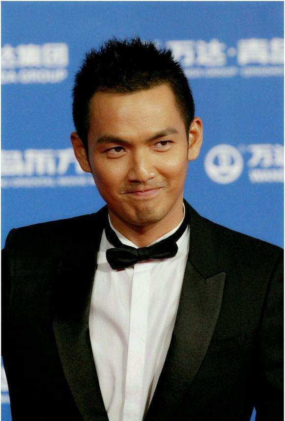 """39岁生日将近 钟汉良被赞""""最接地气""""的男神"""