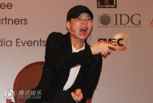 冯小刚上影节又开炮 称美国发行商都是骗子(图)