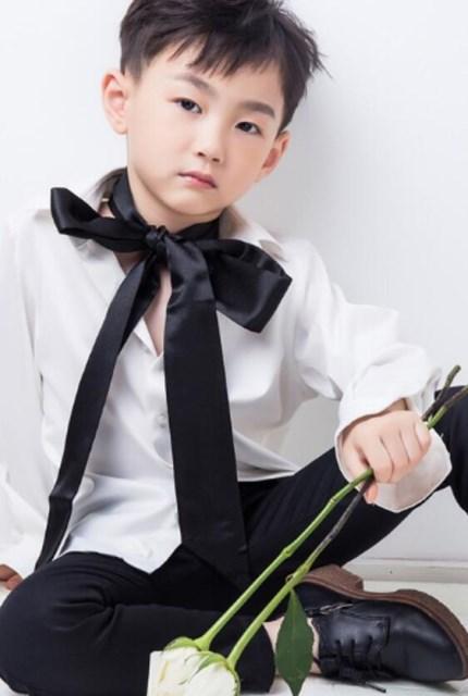 《唐诗三百案》开机 陈俊恺深情演绎幼年男一