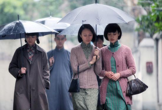 《黄金时代》热映 杨雪戏里戏外文艺女青年