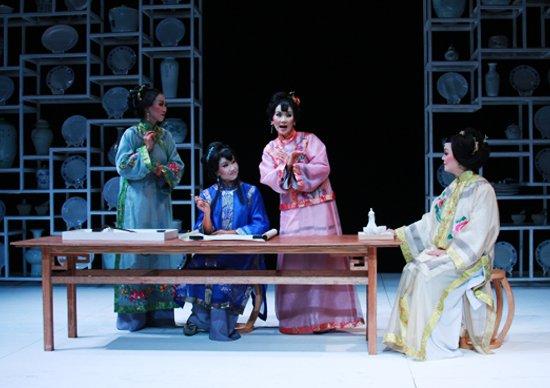 国际戏剧季开幕 新加坡名剧《咏蟹花》亮相京城