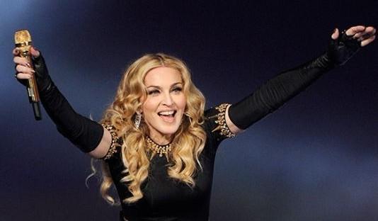 流行女王麦当娜将与绿日乐队主唱献唱格莱美