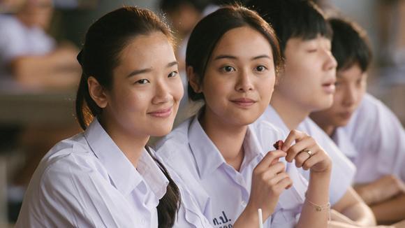 院线热映:泰国口碑佳作《天才枪手》拍的比谍战剧还燃!