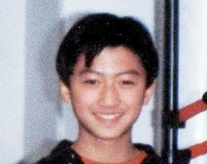 图文:谢霆锋13岁照片传出 被赞外貌清秀帅气