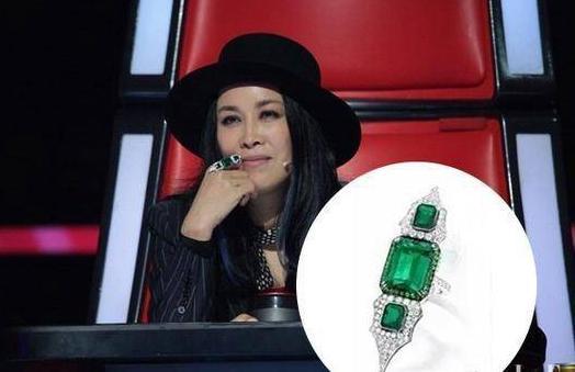 那英和歌迷握手戒指被掳走 失控大喊:戒指还我