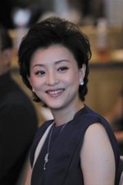 女性职场真人秀登陆东方卫视 杨澜搭档周立波