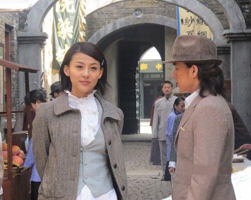 《圣堂风云》引关注 贾青李威戏里情深戏外哥们