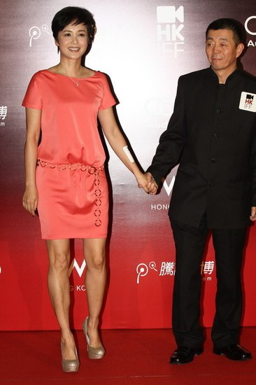 《最爱》香港亮相成焦点 顾长卫蒋雯丽高调秀爱