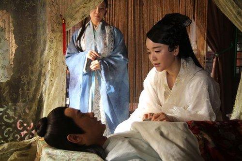 新《白娘子》惊爆床戏 许仙结发妻子被强暴