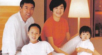 林青霞与邢李原的两名女儿