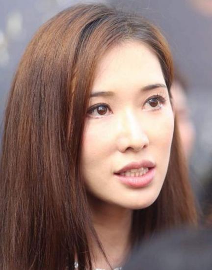 林志玲否认结识卖淫集团 因难控制情绪含泪颤抖