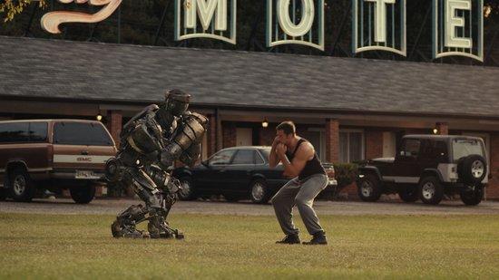 休·杰克曼《铁甲钢拳》北美夺冠 影迷反响热烈