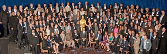 第84届奥斯卡提名者午宴举行 明星餐会全家福